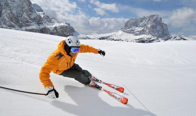 Italien Südtirol Dolomiten Grödner-Tal Blick vom Grödner Joch auf den Sellastock und Langkofel